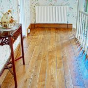 Distressed-oak-flooring-Landing