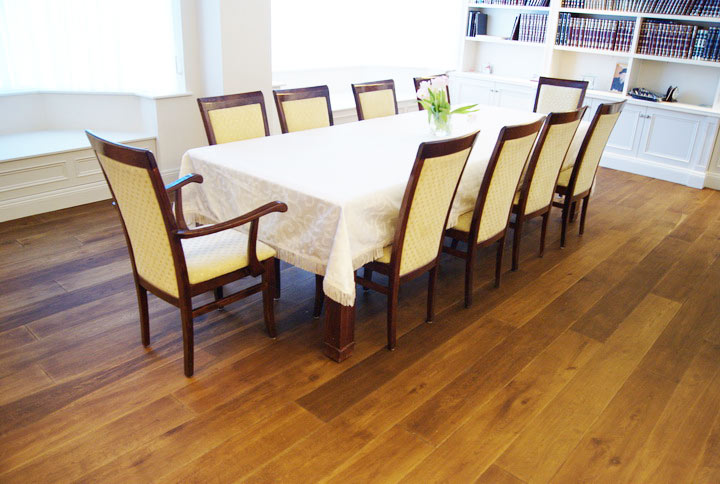 Distressed-wood-Floor-dining-table-and-chairs