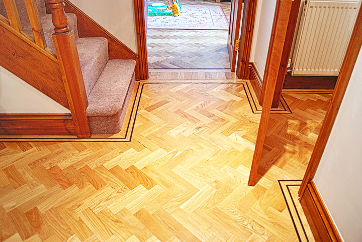Oak-Parquet-with-a-two-strip-Wenge-Border