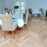 herringbone-parquet-table